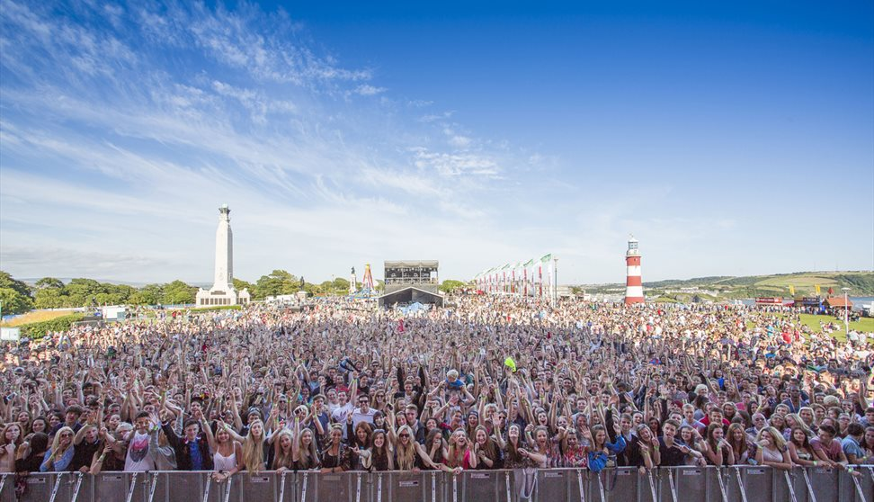 MTV Crashes Plymouth 2017